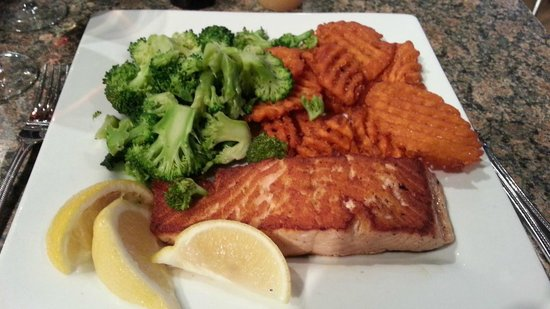 Marilyn's Cafe: Salmon Broccoli and Sweet Potato