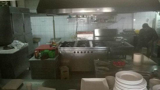 Sami Beach Hotel: Disgusting Kitchen reheated food most days