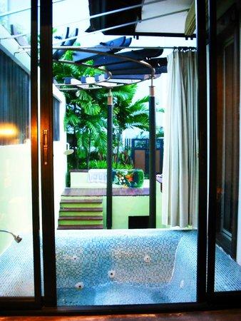 Ao Nang Naga Pura Resort & Spa: จากุชชี่