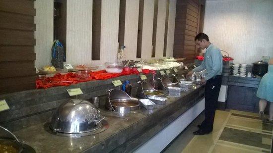 Country Inn & Suites By Carlson-Amritsar, Queens Road: Section of Buffet :)