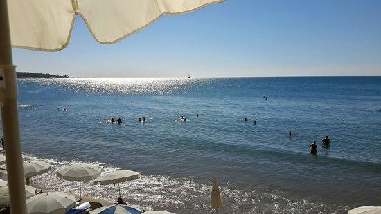 Beach House Hotel: Beach