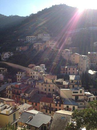 Cademandin Apartments: Вид из окна