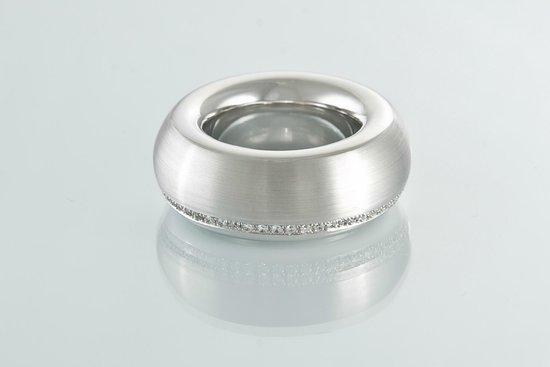 Quatre Bornes: XXL Ring, 18kt Weissgold, mit einer Reihe Diamanten