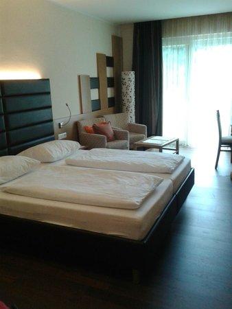 Maximilian : panorama del letto e della camera