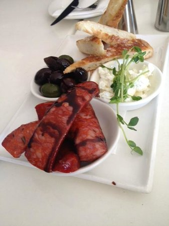 Panorama Restaurant and Bar: Grilled chorizo and bread plate