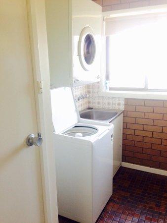 Parkview Motor Inn: Laundry
