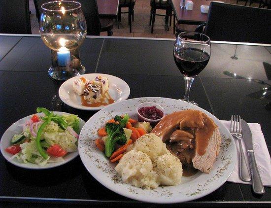 Mallorytown's Landing Restaurant Trattatoria : Turkey dinner