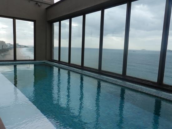 Marina All Suites: piscina