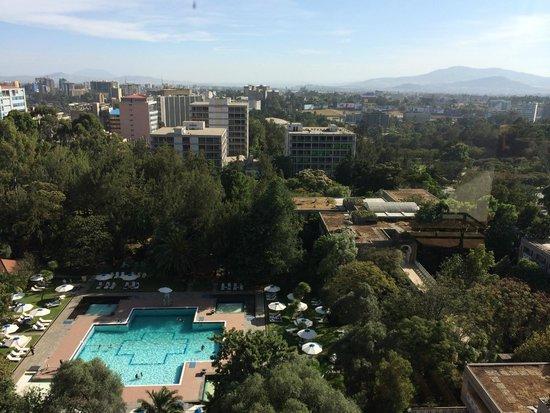 Hilton Addis Ababa: Hotel Pool area.
