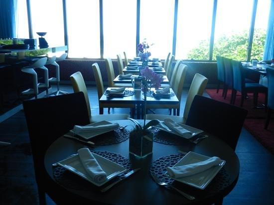Marina All Suites: Bar D'Hotel