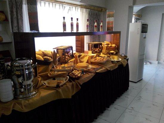 Otel Germanicia : KAHVALTI