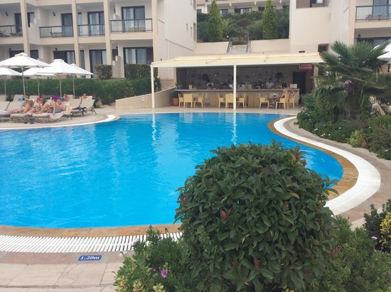 Nea Moudania, Grecja: Block 5 pool & bar