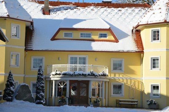 Ferien am Talhof: Unser Bauernhaus im Winter
