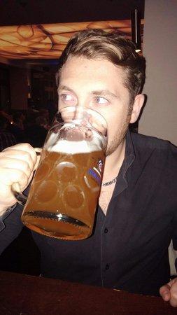 Cafe Munich: Litrozzo di birra a 6,90€