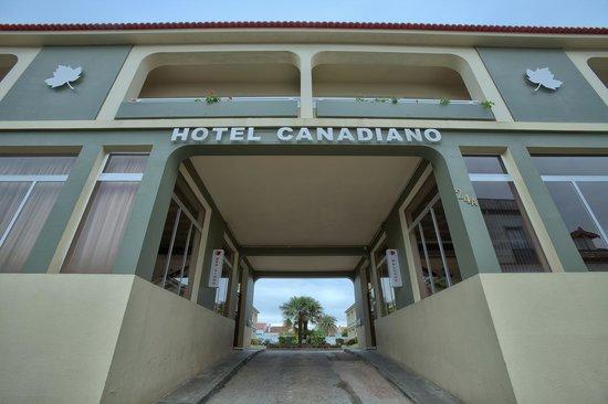 Hotel Canadiano: Entrada do Hotel