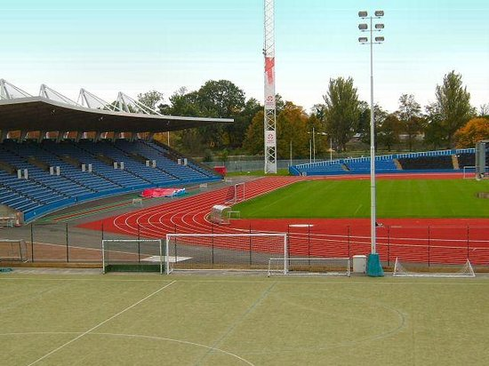 athletics track picture of crystal palace national. Black Bedroom Furniture Sets. Home Design Ideas