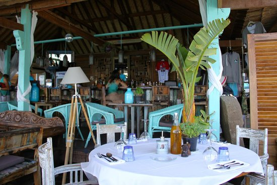 Anjuna Plage Privee - Restaurant : Restaurant and bar in background