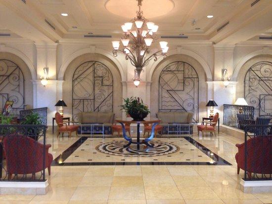 Hilton Naples: Lobby