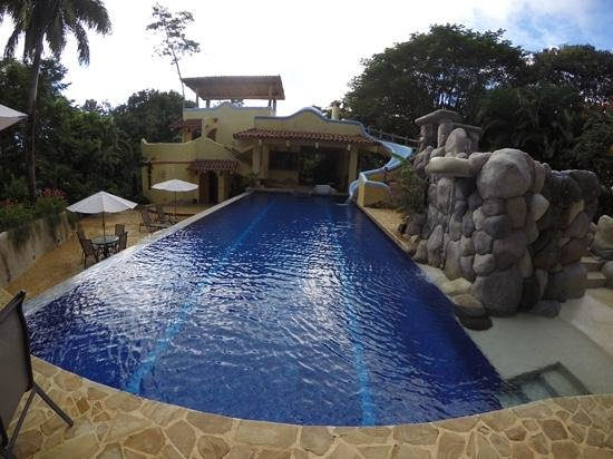 Kalapiti Luxury Jungle Suites : view of the house
