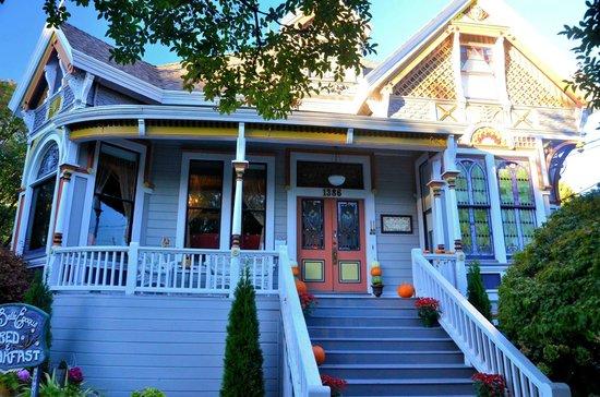 La Belle Epoque: The front porch