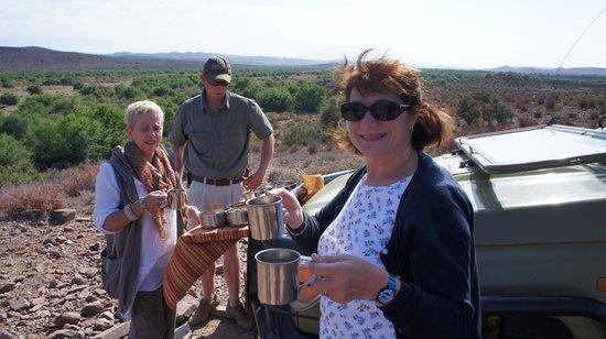 Sanbona Wildlife Reserve: A sundowner with friends