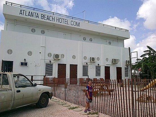 Atlanta Beach Hotel: hotel parte posterior