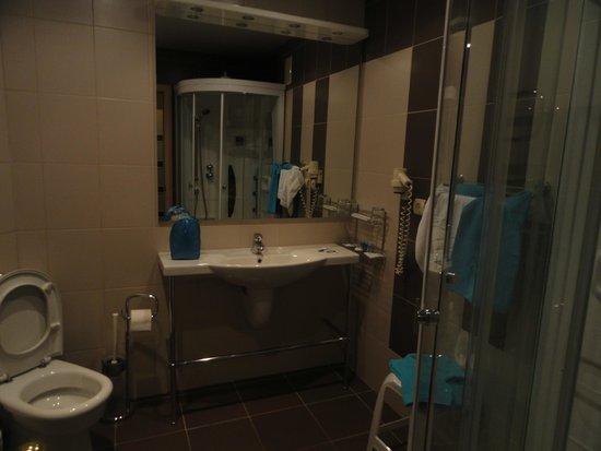 Sadko Hotel: шампуни. тапочки халаты