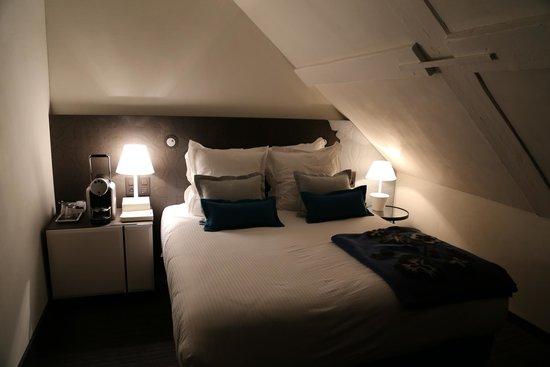 Hotel D : chambre 502