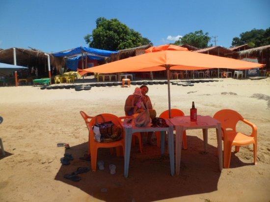 Ilha do Rodeador : Guarda sol dos quiosques