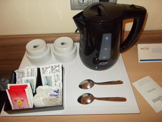 Riviera Beachotel: tea/coffee in rooms