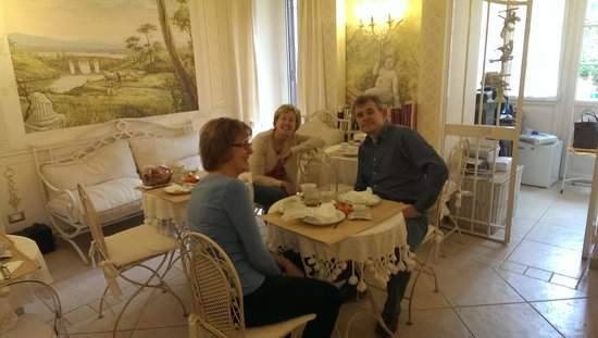 Giardino Segreto: The delightful breakfast room