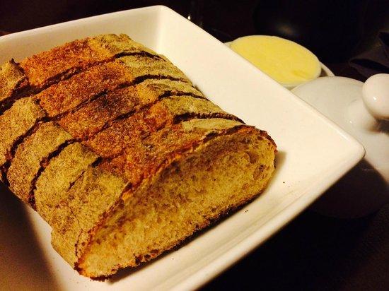 Vilaine Fille Mauvais Garcon : Bread