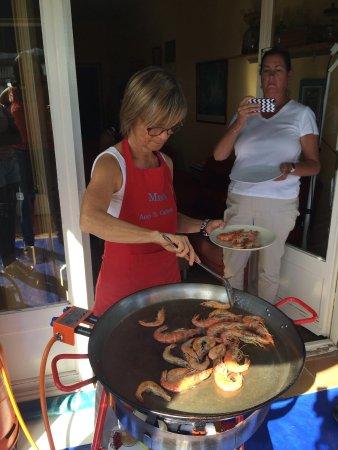 Marta's Private Paella Cooking Classes: Passion!'