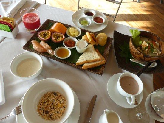 Navutu Dreams Resort & Wellness Retreat : Breakfast