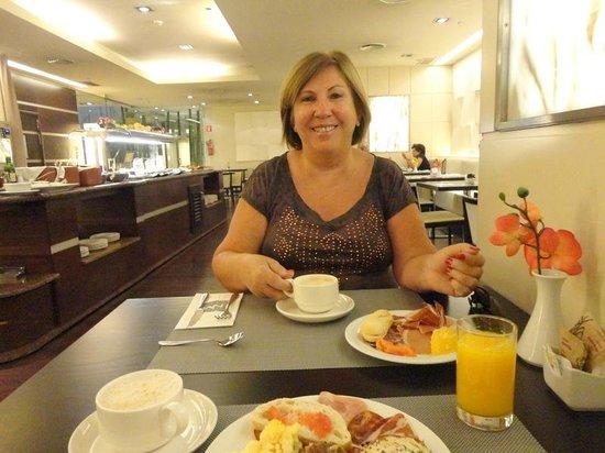 Hotel Nuevo Madrid : Um delicioso café da manhã