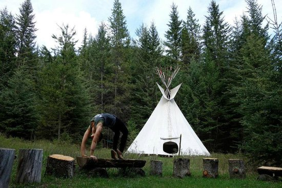Cross River Wilderness Centre : In the warmer months you can stay in a teepee