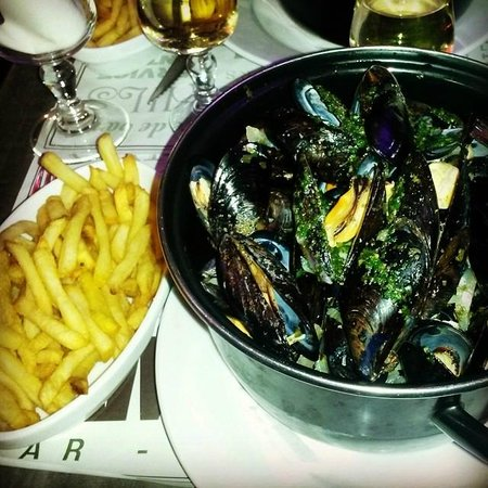 moules frites picture of le yam 39 s montpellier tripadvisor. Black Bedroom Furniture Sets. Home Design Ideas