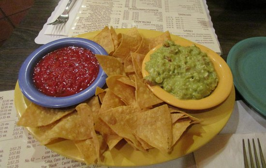 Lerua's Fine Mexican Food: Chips and Salsa with Side of Guacamole
