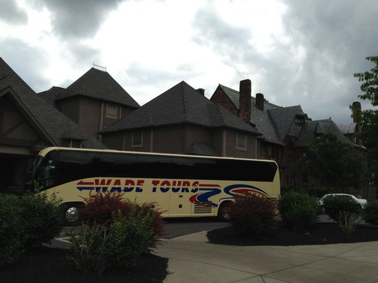Wade Inc. Bus Tours - Day Tours