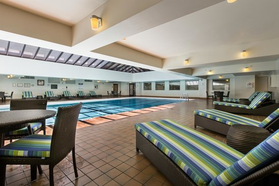 Heated Indoor Swimming Pool - Picture of Holiday Inn Chicago Mart ...