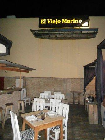 El Viejo Marino: OUTSIDE SEATING