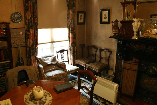 Mr Straw's House: Downstairs