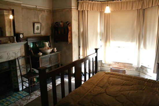 Mr Straw's House: Bedroom