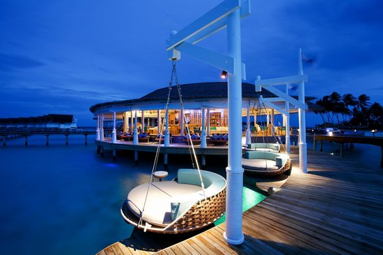 Centara Grand Island Resort & Spa Maldives: Centara Grand Maldives - Aqua Bar