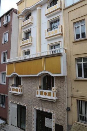 Istanbul Central Hotel: Вид из окна