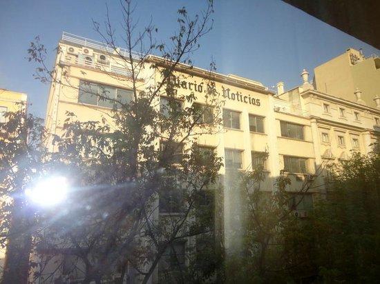 Hotel Nacional: Em frente ao Diário de Notícias