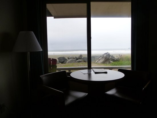 Crescent Beach Motel: View on a grey day