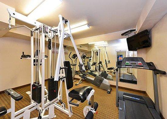 Quality Inn - Farmington: Gym