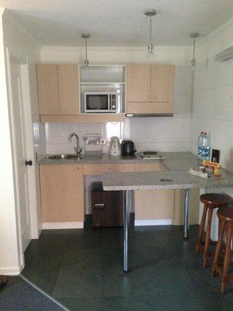 Park Plaza Apartments: Cocina