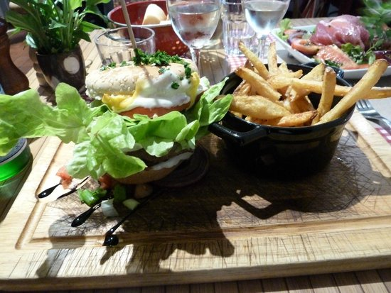 SARL tilou restaurant la cantine : The hamburger